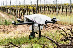 Dron Quaternium HYBRiX 2.1 za lakše i brže prskanje u poljoprivredi